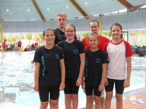 hinten von links: Alexander Demm, Sascha Nuhn, vorne von links: Laura Jentsch, Julia Weiffenbach, Darja Warkentin, Leonie Darscht.